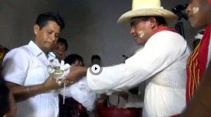 Индейцы чонтали «поженили» своего мэра на крокодиле