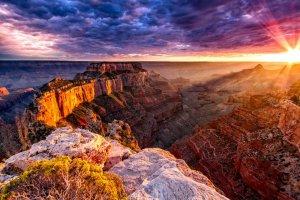 Будет ли в Большом каньоне курорт и казино зависит от индейцев навахо. Фото Большого каньона - shutterstock.com