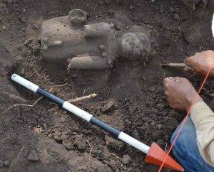 Сальвадорские археологи нашли в Сиуатане кошачьи скульптуры. Фото - Secultura.