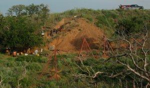 Раскопки 10,5-тысячнелетнего места забоя бизонов у реки Бивер. Фото: Lee Bement