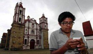 Индейцы сапотеки сами в своем поселке Вилья-Талеа-де-Кастро создали сеть сотовой связи. Фото - taringa.net