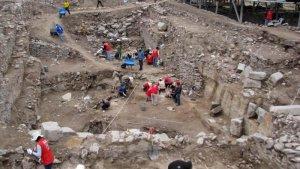 В районе Кинуа провинции Уаманга найдены захоронения культуры Уари. Фото - M. Cabrera и J. Ochatoma / peru21.pe
