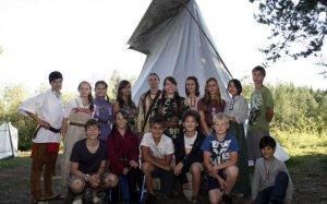 В Башкирии в лагере «Говорящая Вода» дети превращаются в индейцев. Фото из архива клуба «Росстань»
