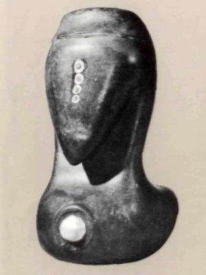 Птица из камня и асфальта с жемчужным орнаментом. Высота 10 см. США, XIX век.