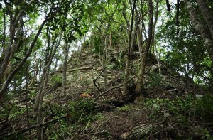Лагунита. 20-метровая пирамида
