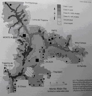277. Укрепленные или расположенные в удобных для обороны местах поселения фазы Монте-Альбан IIIa, наложенные на карту классов с/х земель долины Оахака. Почти две трети населения долины жили в этих 38 поселениях, немногие из которых находились на земле Класса 1.