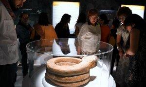 Скульптуры Теночтитлана показывают ярко раскрашенными на выставке в музее Темпло Майор. Фото: elpopular.mx