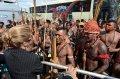 Индейцы мундуруку пытались прорваться на прием к правительству Бразилии. Фото - NYDailyNews.com