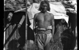 Индейское племя тепеуа. Человек у мерной рейки. 1893. Фото: Карл Лумгольц