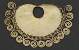 Украшение для носа. 900-1100 гг. Национальный археологический музей Брунинга, Ламбаеке. Фото - Daniel Giannoni / www.abc.net.au