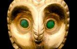 Бусина в форме головы совы. Культура Моче (Мочика). 100-800 гг. Золото, бирюза. Музей Царские гробницы Сипана, Ламбаеке. Фото - Daniel Giannoni / www.abc.net.au