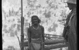 Индеец тараумара (рарамури) у мерной рейки. 1892. Фото: Карл Лумгольц