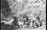 Женщины и дети тараумара. Фото: Карл Лумгольц